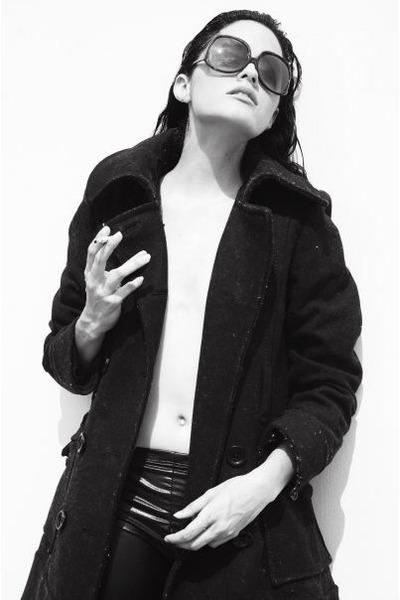 black H&M jacket - black unknown brand leggings - black H&M sunglasses