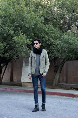 dark khaki thrifted vintage blazer - navy Levis jeans