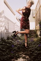 maroon silk Goodwill dress - black Steve Madden heels