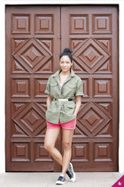 Converse sneakers - army green Club Monaco jacket