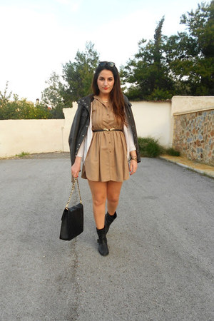 Zara boots - Zara dress - Zara jacket - BLANCO bag - Ray Ban glasses