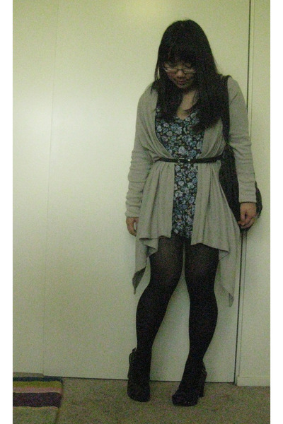 black Forever 21 tights - black Urban Outfitters bag - heather gray Charlotte Ru