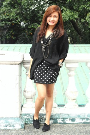 black polka dots Simones Closet skirt