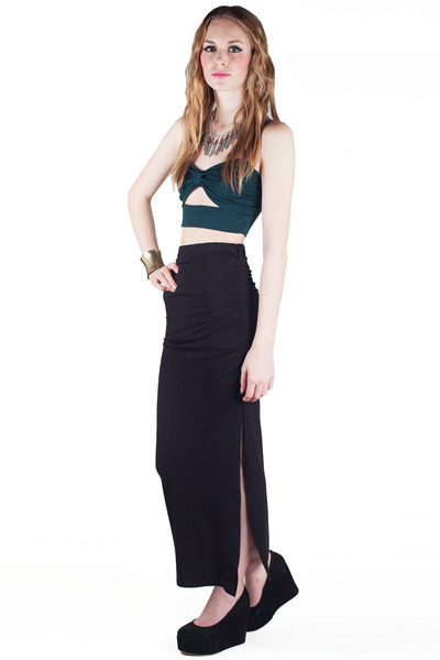 Black maxi skirt with slit – Fashion clothes in USA photo blog