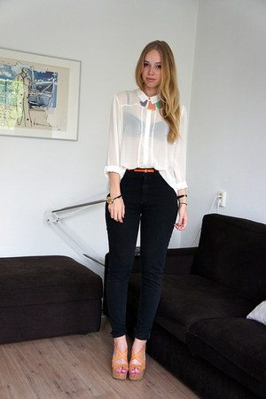 camel Guess shoes - black American Apparel jeans - white Primark blouse