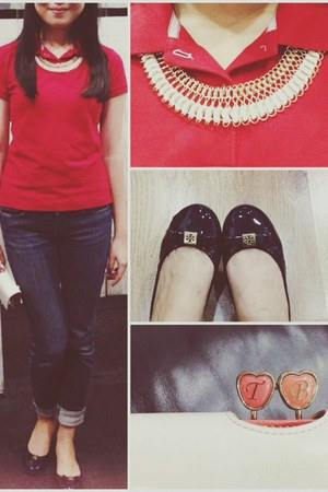 black leather tory burch flats - navy Levis jeans - ruby red giordano shirt