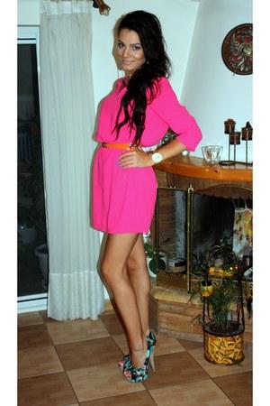 hot pink loose H&M dress - gold gold D&G watch