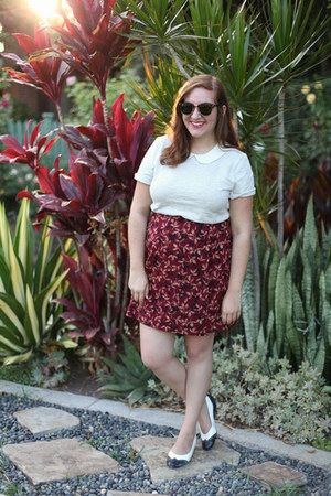J Crew top - thrifted shoes - clubmaster Ray Ban sunglasses