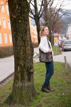 Bershka sweater - H&M boots - Primark jeans - Paola del Lungo bag