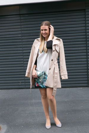 tropical H&M dress - trench H&M coat - clutch H&M bag - gray suede H&M pumps