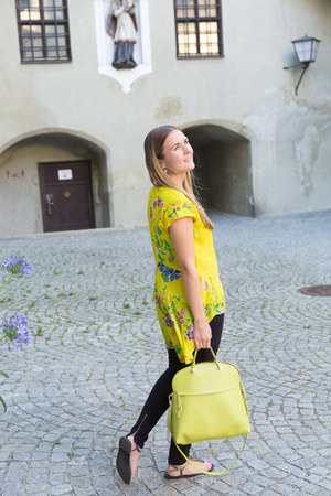 tails Primark blouse - black Zara jeans - lemon Furla bag