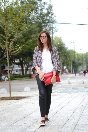 black Zara cardigan - red Bimba y Lola bag - black The white brand flats