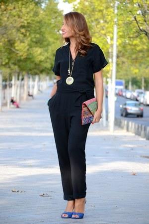 black Zara jumper - red dubai bag - blue Lodi sandals