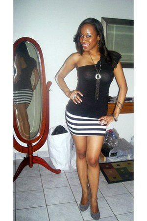 black top - charcoal gray michael antonio pumps - black Forever 21 skirt - charc