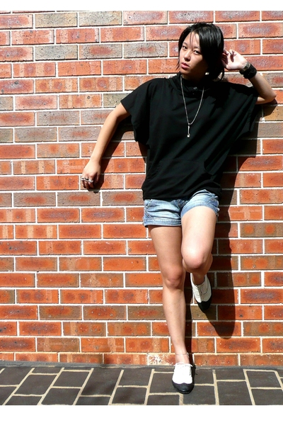 UTECH shirt - Valleygirl shorts - I love Billy shoes - Quick Brown Fox necklace