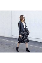 skirt romwe skirt - boots Report boots - purse Forever 21 purse