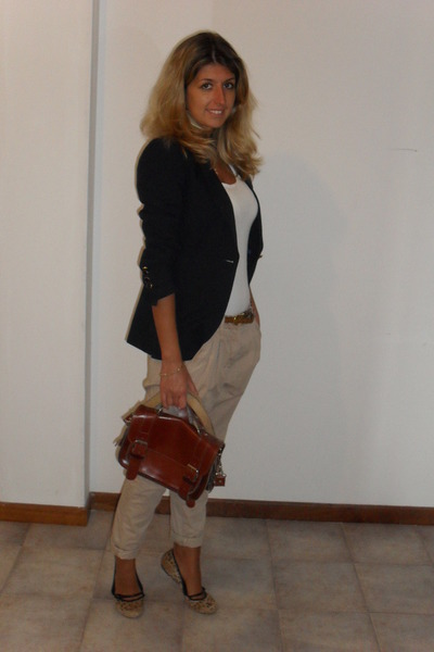 blue Massimo Dutti jacket - beige Zara pants - Mango shoes - vintage purse
