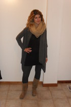 charcoal gray Conbipel cardigan - beige no brand boots - beige no brand scarf