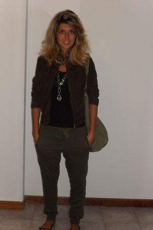 brown jacket - green Oysho pants - green H&M purse - Mango