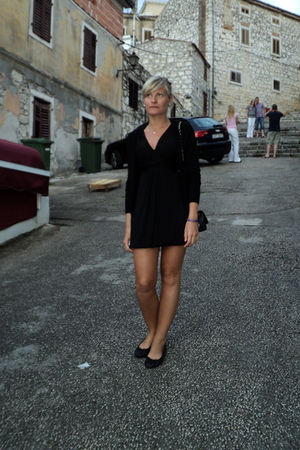 black intimissimi dress - black H&M cardigan - black H&M shoes - black Chanel pu