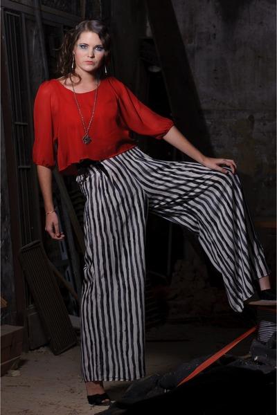 black trapeze striped pants - red chiffon tiered blouse