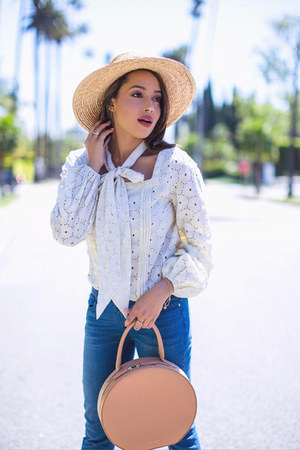 white lace Kristinit top