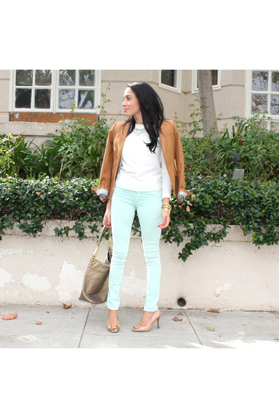 Nude-bcbg-shoes-aquamarine-hudson-jeans-white-forever-21-sweater