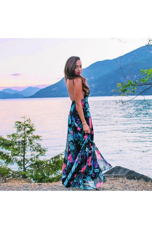 black floral Lulus dress