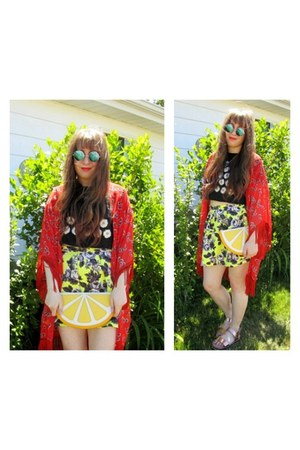 yellow Monki bag - ruby red kimono Angie jacket