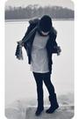 Silver-scarf