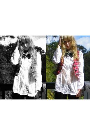 tights - vest - accessories - blouse