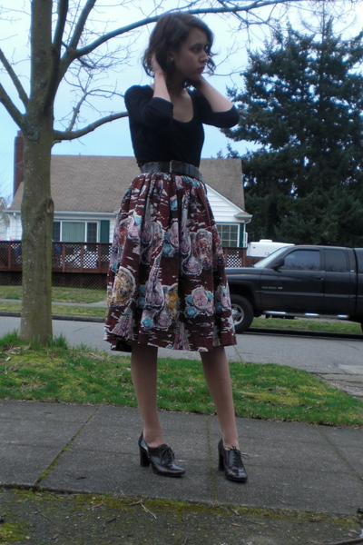 brown vintage skirt - brown vintage belt - black shirt - brown Alfani shoes