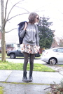 Black-shirt-beige-forever-21-skirt-black-dr-martens-boots-gray-vintage-top