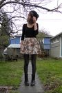 Black-shirt-beige-forever-21-skirt-black-dr-martens-boots-gray-vintage-top