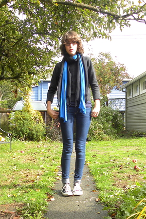 Target sweater - BDG jeans - scarf - scarf - Converse