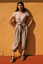 pink H&M blouse - beige Forever 21 pants