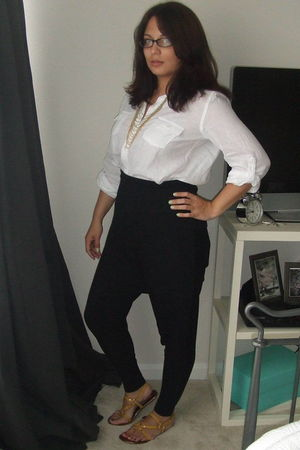 white Old Navy blouse - black American Apparel leggings - gold Old Navy necklace