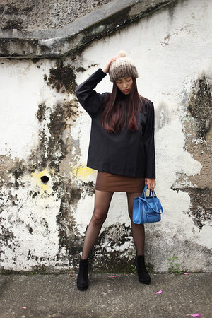 blue Givenchy bag - black Pedro Garcia boots - camel Maiami hat