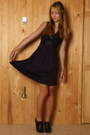 Deep-purple-banana-republic-dress-black-urban-outfitters-heels