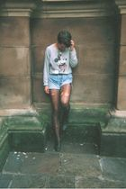 silver vintage sweater - black vintage shoes - blue Levis shorts - black H&M tig