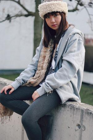 H&M hoodie - Mango scarf