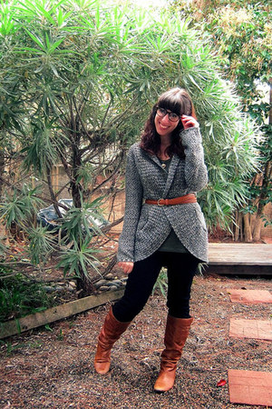 charcoal gray Urban Outfitters sweater - tawny Steve Madden boots