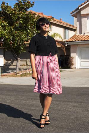 red gingham vintage dress - black retro Betsey Johnson sunglasses