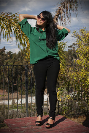 green silk blouse thrifted vintage shirt - black jegging Uniqlo pants