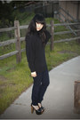 Navy-skinny-legging-gap-jeans-black-batwing-forever-21-sweater-black-platfor