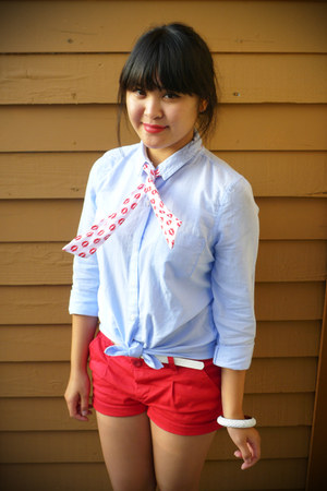 red Forever 21 shorts - light blue oxford Old Navy shirt - black H&M sunglasses