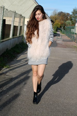 faux fur Zara vest - new look boots - striped Zara dress