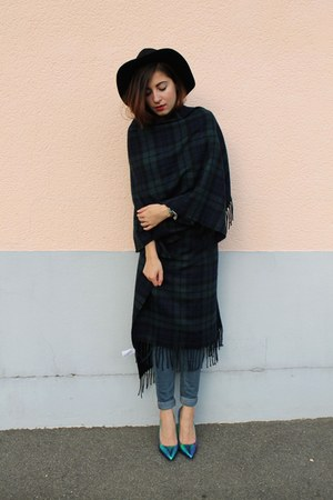 jeans Levis jeans - romwe hat - holographic Nelly heels - new look cape