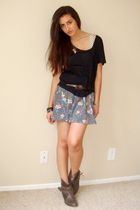 gray Kimchi Blue dress - black Express t-shirt - brown vintage belt - brown Stev