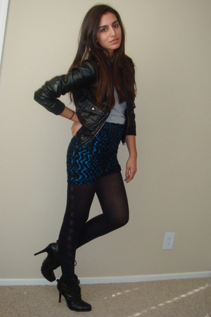blue worn as skirt Express scarf - black Dollhouse boots